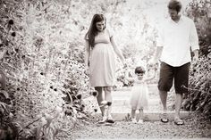 beautiful family maternity pictures!