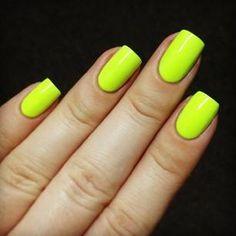 neon nails <3 yellow<3