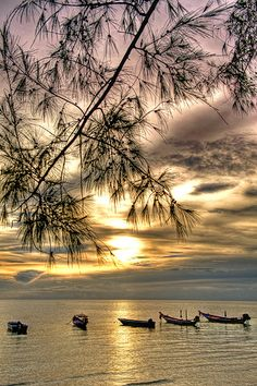 Sunset Over Sari.    Sari Beach, Koh Tao, Thailand.