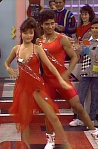 """The Ultimate Guide To """"Saved By The Bell"""" Fashion (via BuzzFeed)"""