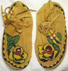 Beautifully Beaded Indian Native American Moccasins | eBay