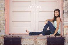 -senior posing