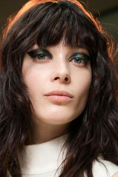 thick green cat-eye #beauty #backstage #makeup