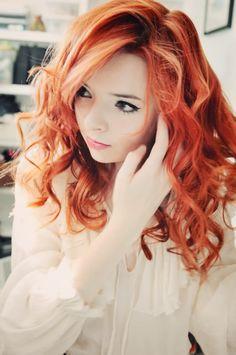This girl has gorgeous hair !