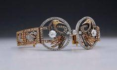 LUIS MASRIERA: espectacular tiara realizada entre 1901 y 1910, que también puede ser utilizada como brazalete, en oro amarillo y platino con 503 diamantes que suman 12,5 quilates en total.  - See more at: http://www.hoyesarte.com/mercado/ferias/joyas-de-masriera-en-tefaf-maastricht_94103/#sthash.CT3P67B0.dpufhoyesarte.com