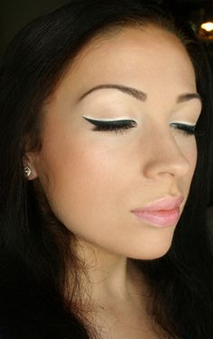 Black and White Winged Liner