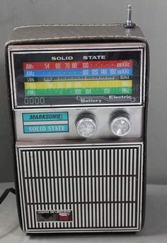 Markson's Solid State Vintage AM/FM Radio-Powers