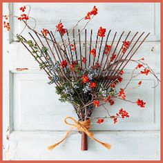 6 Fabulous Fall Wreath Ideas and Simple DIY Tutorials Rusty old garden implements? Re-purpose them into fall decor! This Better Homes and Gardens Rake Fall Wreath is super easy and can be decorated with any seasonal and local plants and flowers.