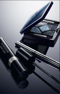 Dior Makeup. The New Look eyes, by Dior.   Diorshow New Look mascara and the 5 Couleurs Palette: a resolutely Couture blend.   Discover more on www.dior-backstage-makeup.com