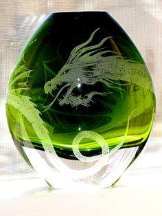 hand, green dragon, dragons, vase dragon, art, glass, crafts, bowls, dragon vase