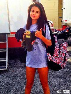 Selena Gomez (courtesy of @Tanyalre )