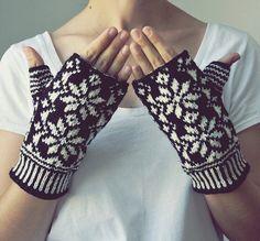 Snowflake Wool Fingerless Gloves