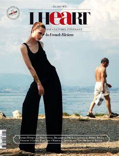 (D) Un petit air de vacances alors qu'on se met à explorer la French Riviera. Une inspiration : le magazine I Heart #5 – la French Riviera datant de l'été dernier #UneSource