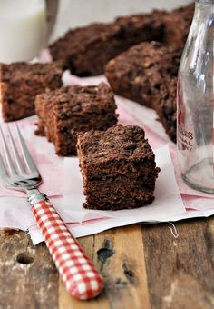 Banana Brownies recipe from @Emily Tan | Fuss Free Cooking #vegan #dairyfree