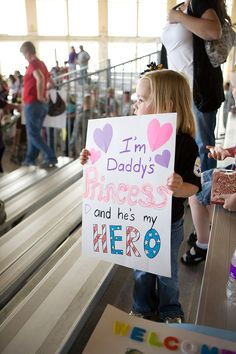 military homecoming, homecom sign, little princess, princesshero sign, militari homecom, soldier homecoming, homecoming signs military, soldiers homecoming