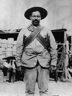Jose Doroteo Arango Arambula (5 de Junio 1878 - 20 de Julio de 1923). Nacio en Durango, Mexico. Mejor conocido como Pancho Villa (El Centauro del Norte). Uno de los mas importantes generales de la Revolucion Mexicana.