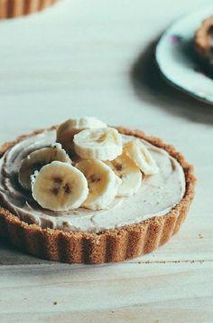... no bake almond cream tartlets ...