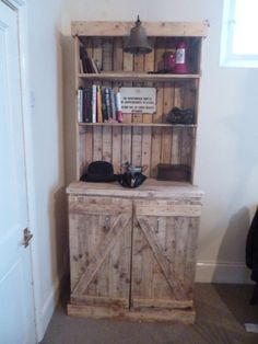 You can create this Pallet Dresser with new or repurposed pallets purchased at cratesandpallet.com. The item shown above was not created by and is not claimed to be the intellectual property of cratesandpallet.com. It does, however, get us very excited about the possibilities of projects YOU can create with items purchased at cratesandpallets.com