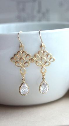 Gorgeous gold earrings!