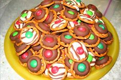 Easy, Festive Holiday Pretzle Chocolate Treat