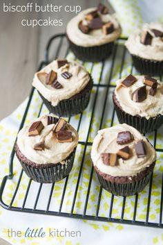 Biscoff Butter Cup Cupcake @Julie | The Little Kitchen