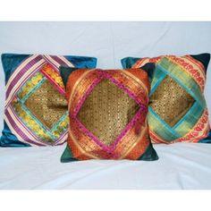 Set de 5 fundas de cojines decorados con brocado de Sanganer. Precio; 36 €