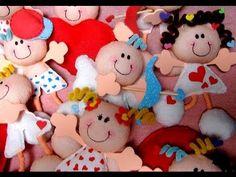 Muñecos enamorados de papel crepe