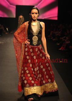 myShaadi.in > Indian Bridal Wear by Ritu Kumar fashion weeks, red, indian weddings, indian dresses, blous, bridal fashion, ritu kumar, ritukumar, fashion designers