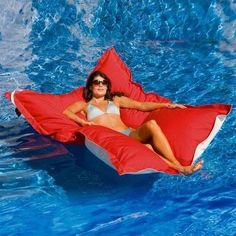 Pool Pillow neeeeed!