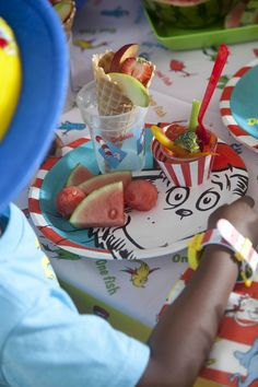 Celebrate your kid's birthday in style with a Dr. Seuss Party Pack! #Party #BirthdayExpress
