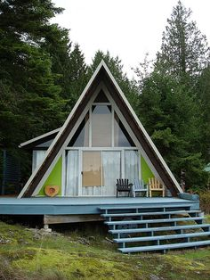 I think I could like living in a triangle in the woods.