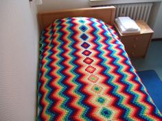 My world of crochet: the bedspread with Granny center is ready!