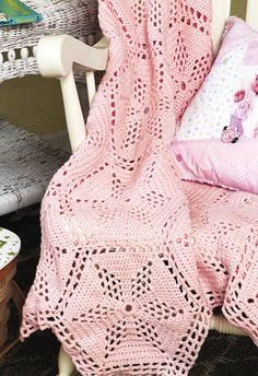 "Twinkle Star Blanket - free pattern from Crafts 'n things. 41"" x 54"", 28 oz. worsted weight yarn, hook size F.  Medallions are nine rounds, using mainly DC.  #crochet #afghan #throw #pillow"