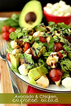 Avocado and Chicken Caprese Salad #salad #healthy #recipe @Ann Flanigan Flanigan Flanigan Flanigan Flanigan Brincks Girl Eats | iowagirleats.com
