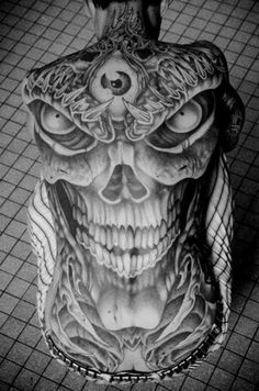 Holy crap! That would scare the shit outta me but great art work. Cráneo con ojo #InkMX #Tatuajes