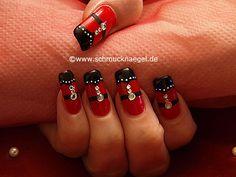 Nail art motivo 283 - Adornar las uñas con piedras strass y nail art liner - http://www.schmucknaegel.de/