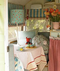 interior, vintage trailers, cottag, old campers, shabby chic, vintage caravans, travel trailers, trailer decor, vintage campers