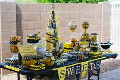 wow bumbl bee, sweet bar, bee theme, birthday parties, sweet tables, bee parti, bumble bees, bee birthday, bumble bee party