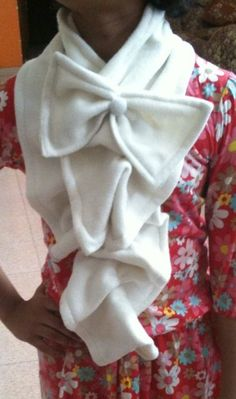 DIY- Bow and Ruffle Neck Warmer