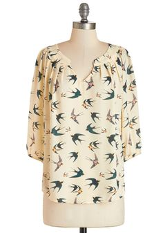 Stylish on the Subway Top in Birds