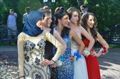 See the best #prom poses of 2014
