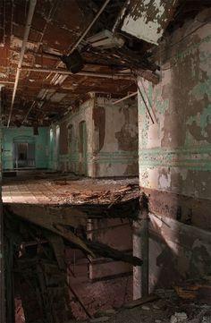 abandoned-hospital-6