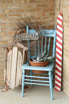 Primitive & Proper:welcoming christmas outdoor entry. I have plenty of old fence post I could paint like a candy cane. Neat idea.