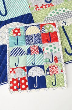 Umbrella mini quilt - free download from thimble blossoms