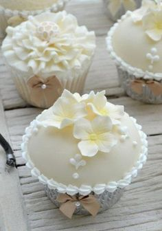 Domed wedding cupcakes