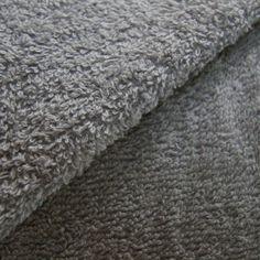 Tissu Eponge uni gris clair    1,80 € TTC