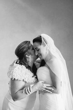 such a sweet moment! | Elaine Palladino #wedding