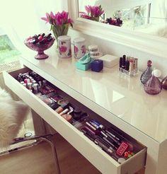 MALM dressing table