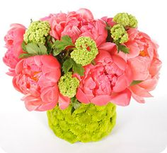 The House of Smiths - favorite flower arrangement for Spring via Martha Stewart #flowers #springdecor