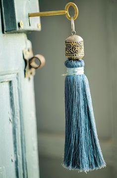 interior design, doors, old keys, skeleton keys, lock, tassels, bohemian bedrooms, key rings, blues